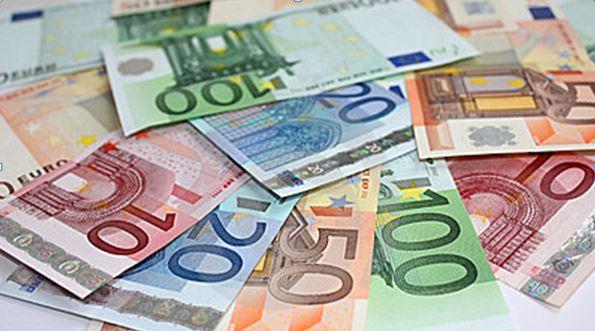Irán má v úmysle ukončiť používanie amerických dolárov