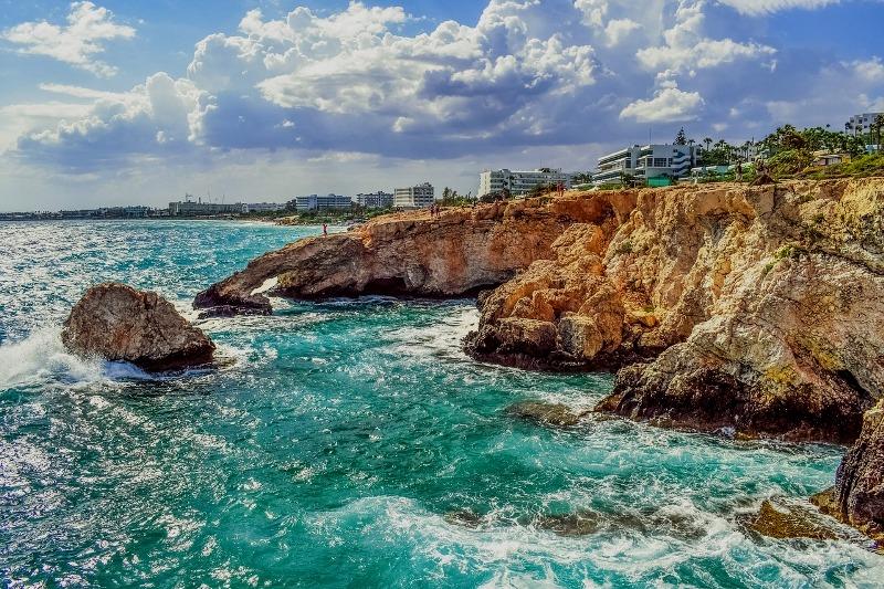 Prečo je zaregistrovanie spoločnosti s ručením obmedzeným na Cypre populárne
